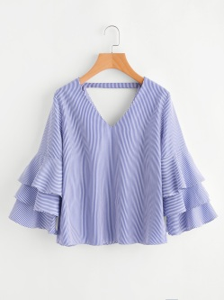 http://fr.romwe.com/Double-V-Tiered-Flute-Sleeve-Vertical-Striped-Blouse-p-251815-cat-670.html?utm_source=fromkat.com&utm_medium=blogger&url_from=fromkat