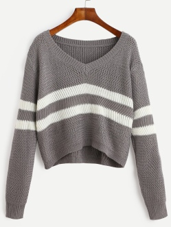 http://fr.romwe.com/Grey-Striped-V-Neck-Crop-Sweater-p-188380-cat-755.html?utm_source=fromkat.com&utm_medium=blogger&url_from=fromkat